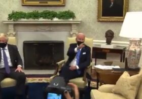 Chaotic Scene in Oval Office as UK PM Boris Johnson Takes Questions While Biden's Handlers Shout Down Reporters
